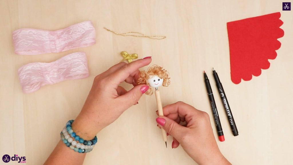 Diy christmas doll ornament for tree hair