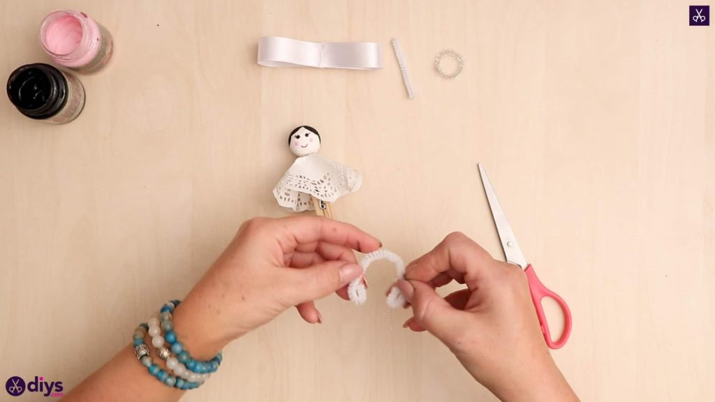 Diy clothespin angel ornament for christmas tree step 10
