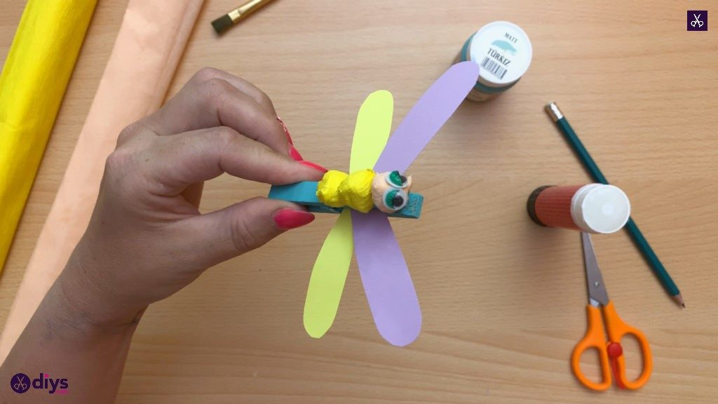 Diy clothespin dragonfly for kids