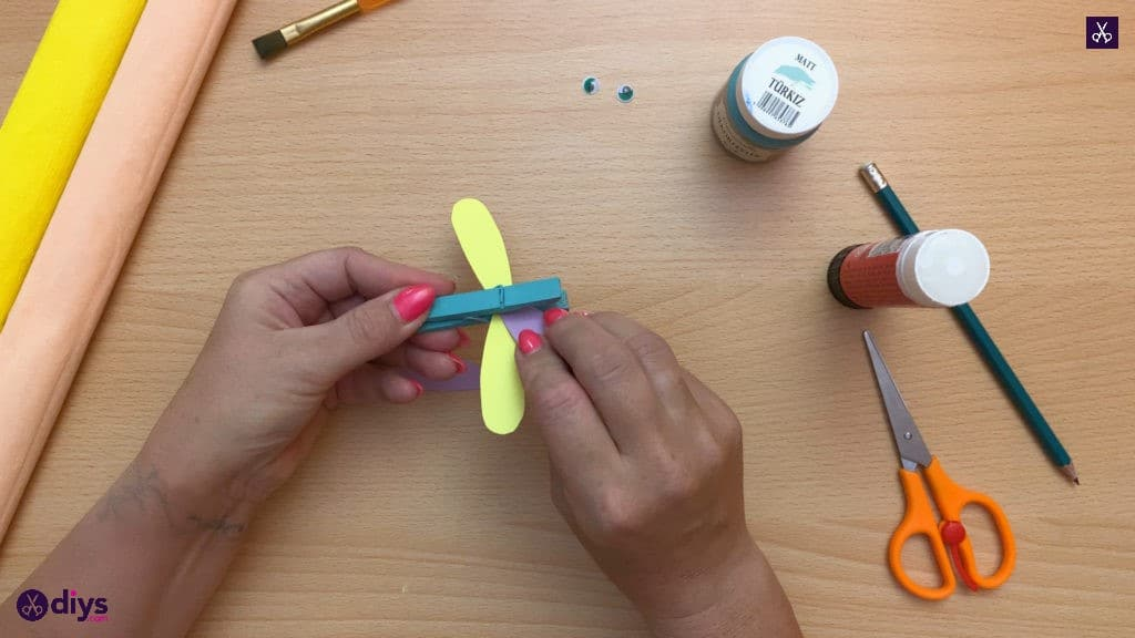Diy clothespin dragonfly for kids glue