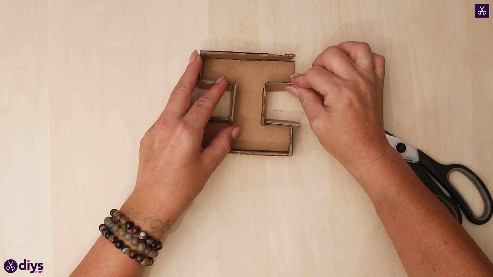 Diy concrete letters attach