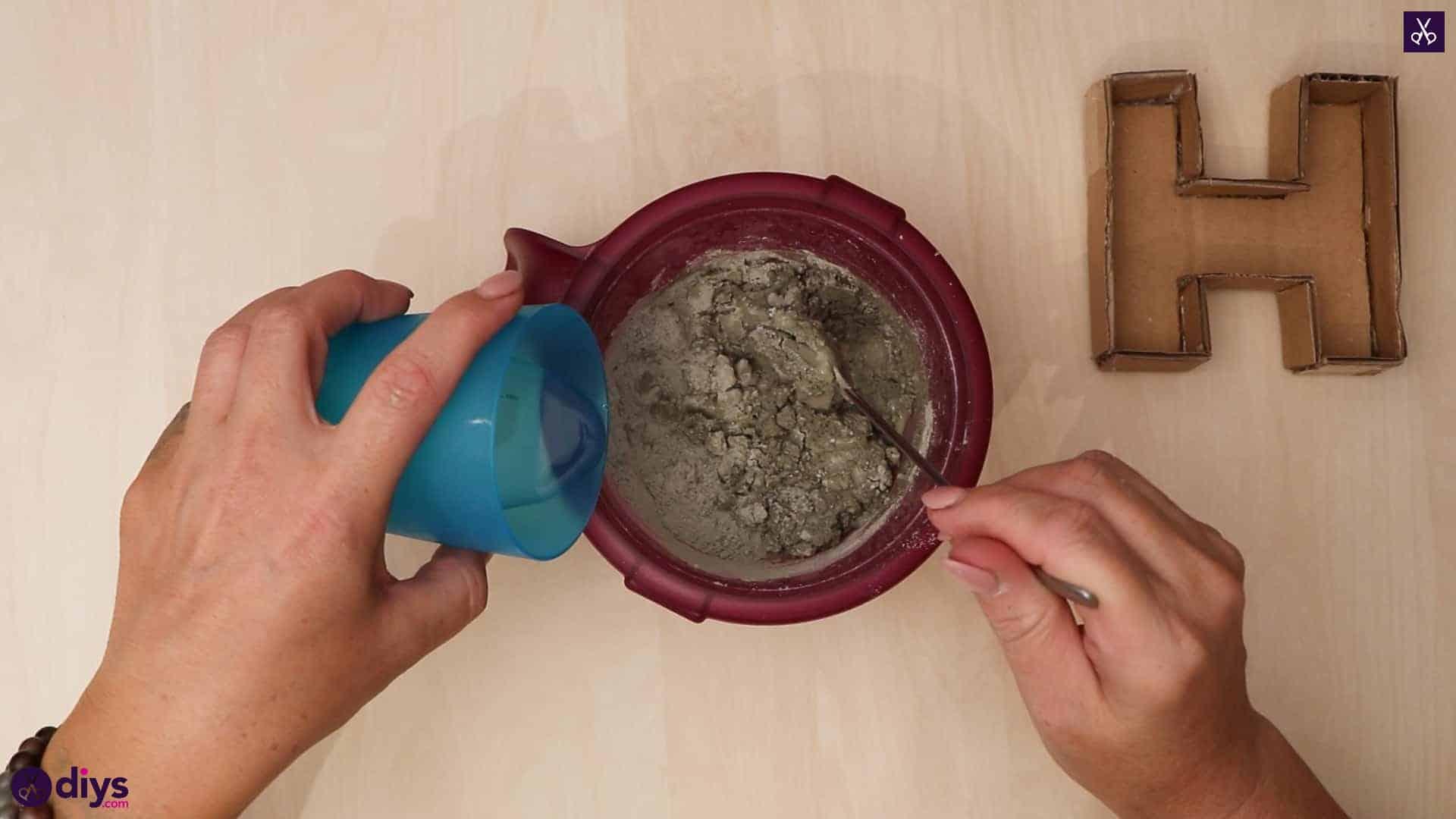 Diy concrete letters pour water