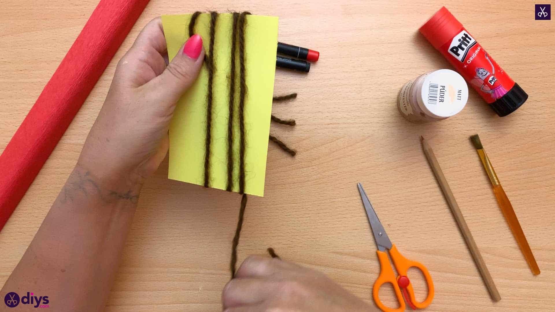 Diy pencil puppet paper
