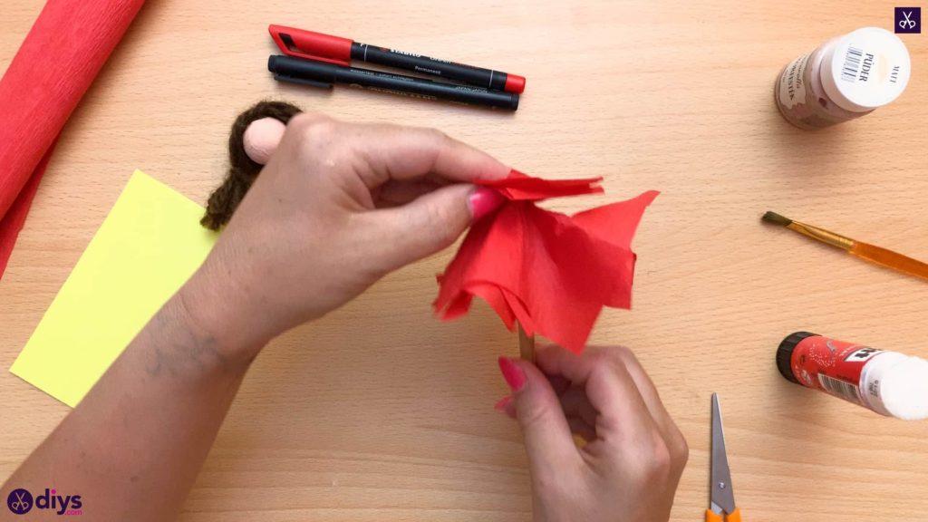 Diy pencil puppet spin