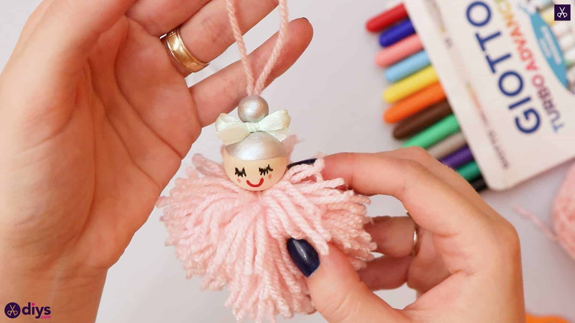 Diy pom pom angel for kids