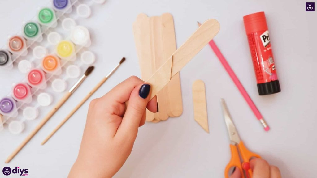 Diy popsicle stick house glue