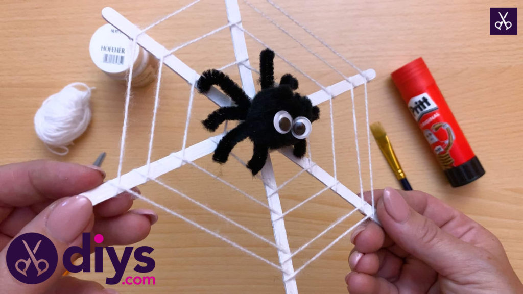 Diy spider web decoration for halloween easy