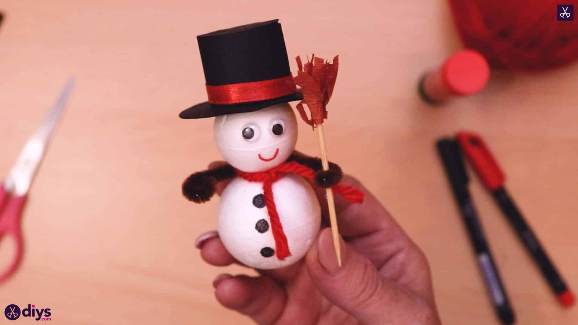 Diy styrofoam snowman