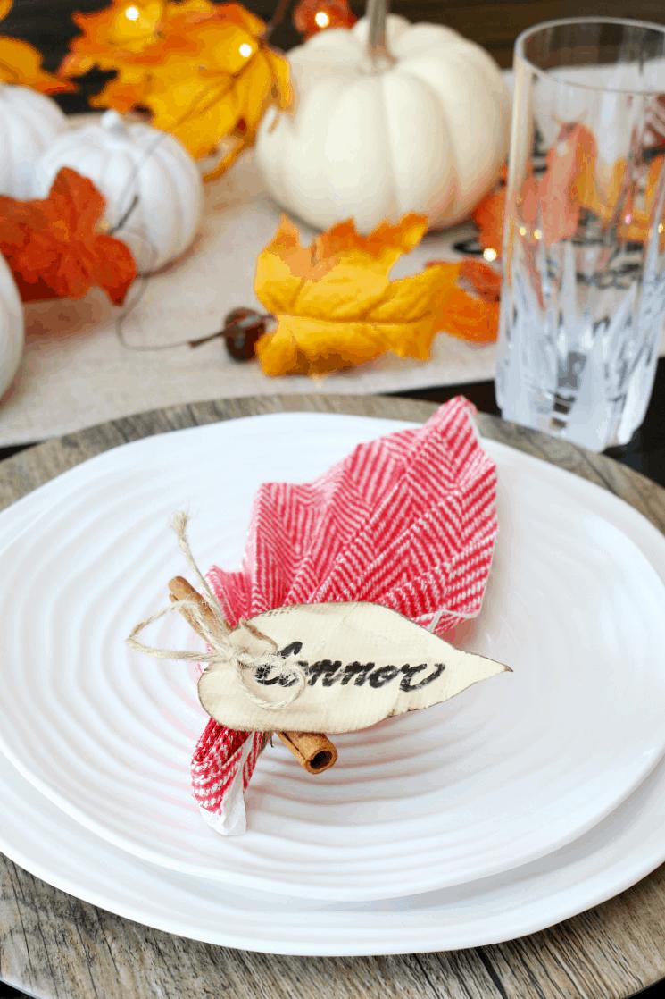 Easy leaf folded napkin and name cards