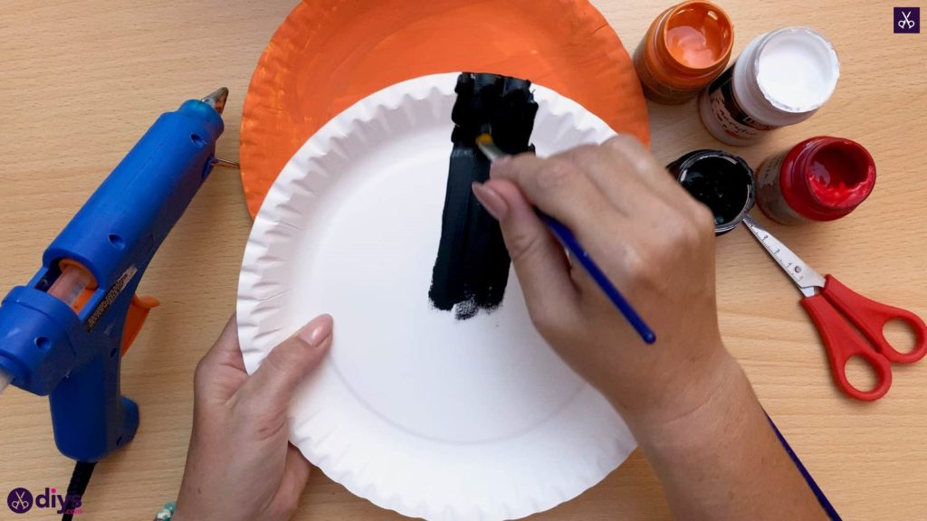 Halloween decor piece from paper plates black color