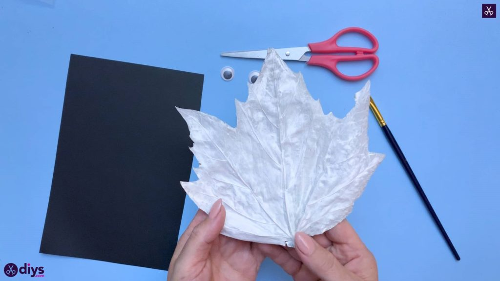 How to make a fall leaf ghost white paint