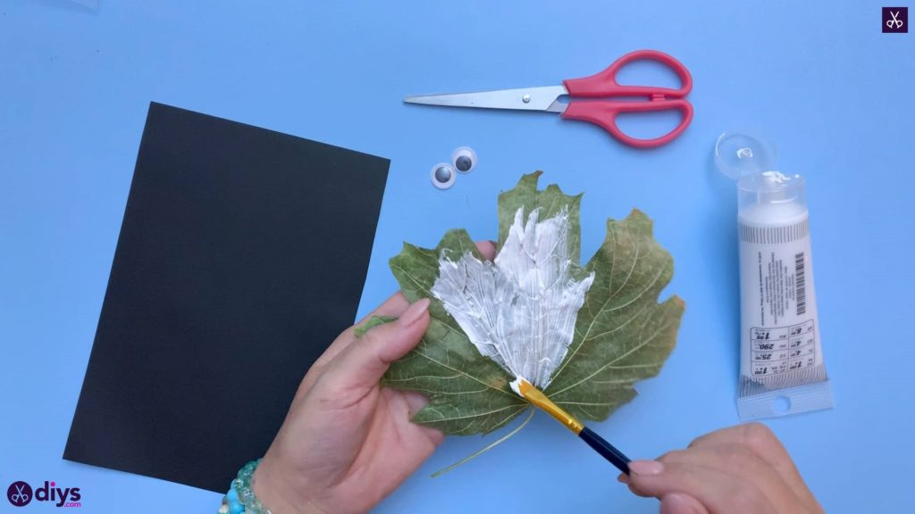 How to make a fall leaf ghost white washed