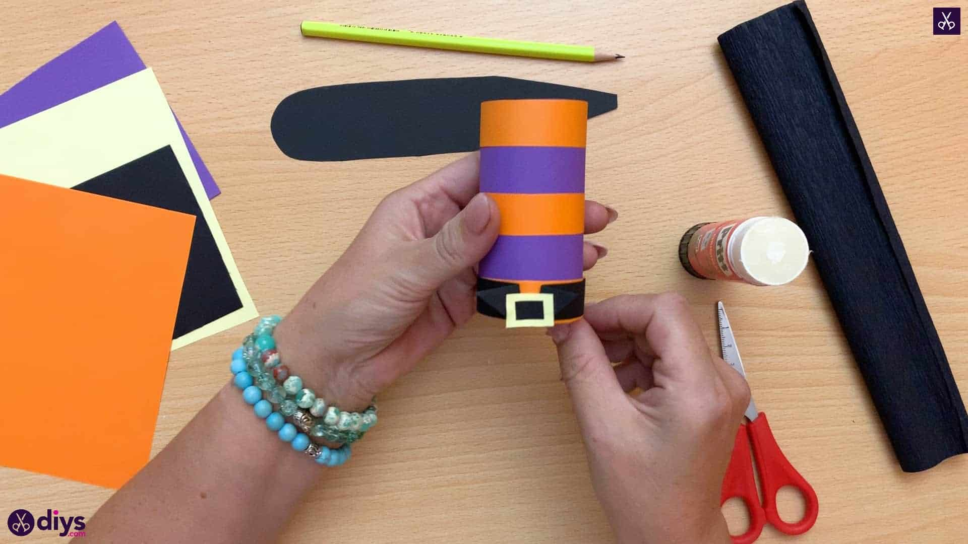 How to make a halloween candy holder shaped like a witch's boot craft kids