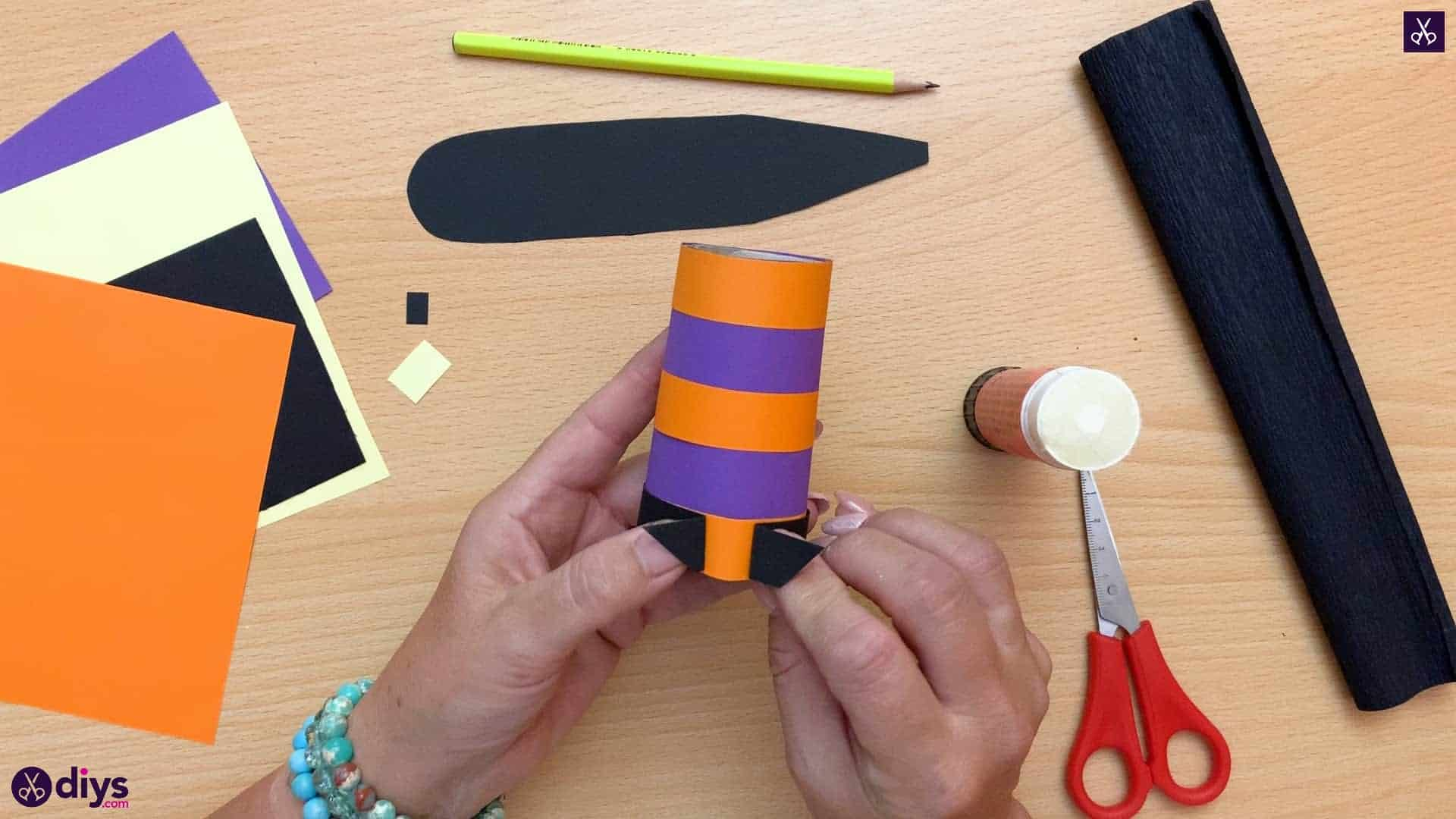 How to make a halloween candy holder shaped like a witch's boot form