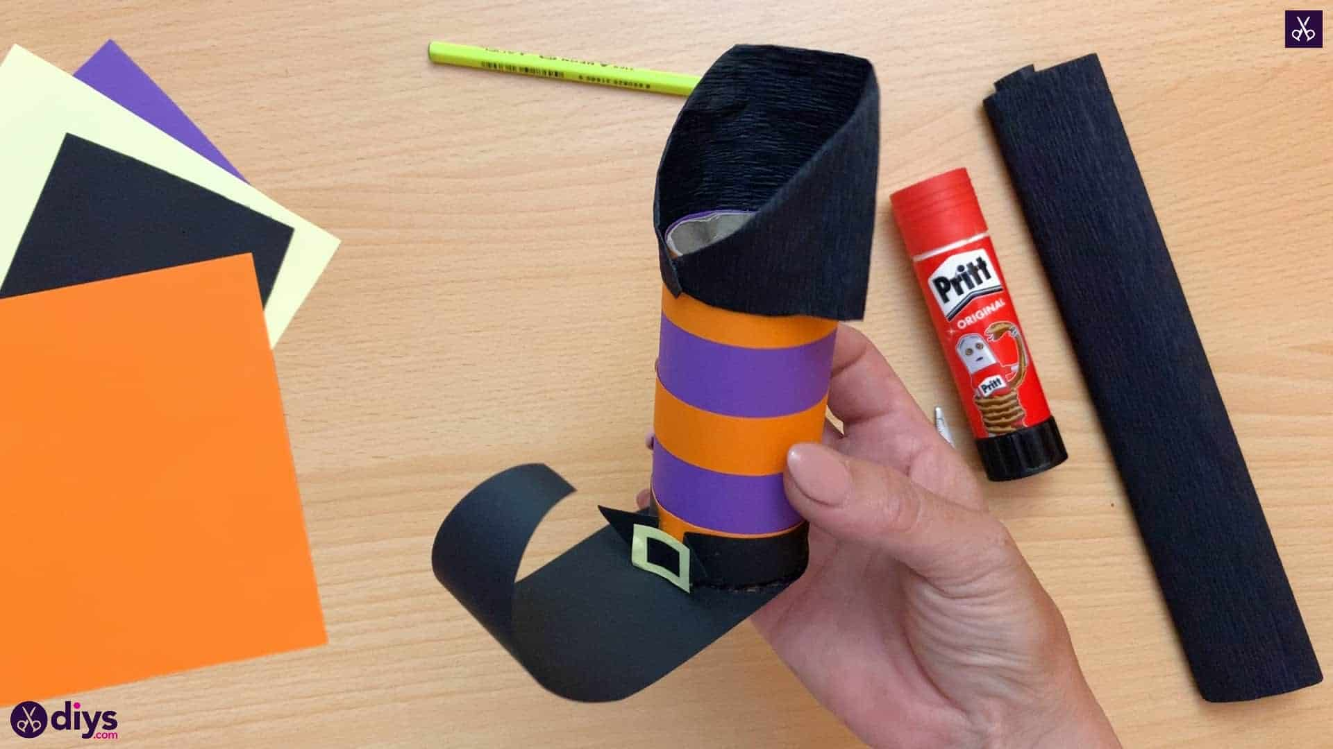 How to make a halloween candy holder shaped like a witch's boot