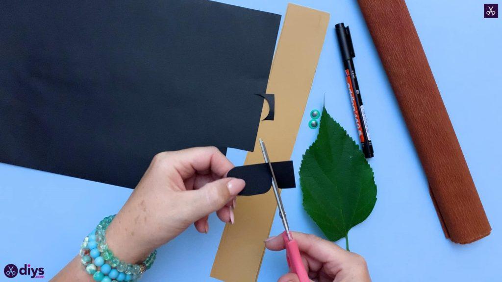 نحوه ساخت یک جوجه تیغی کاغذی در یک برش برگ پاییزی