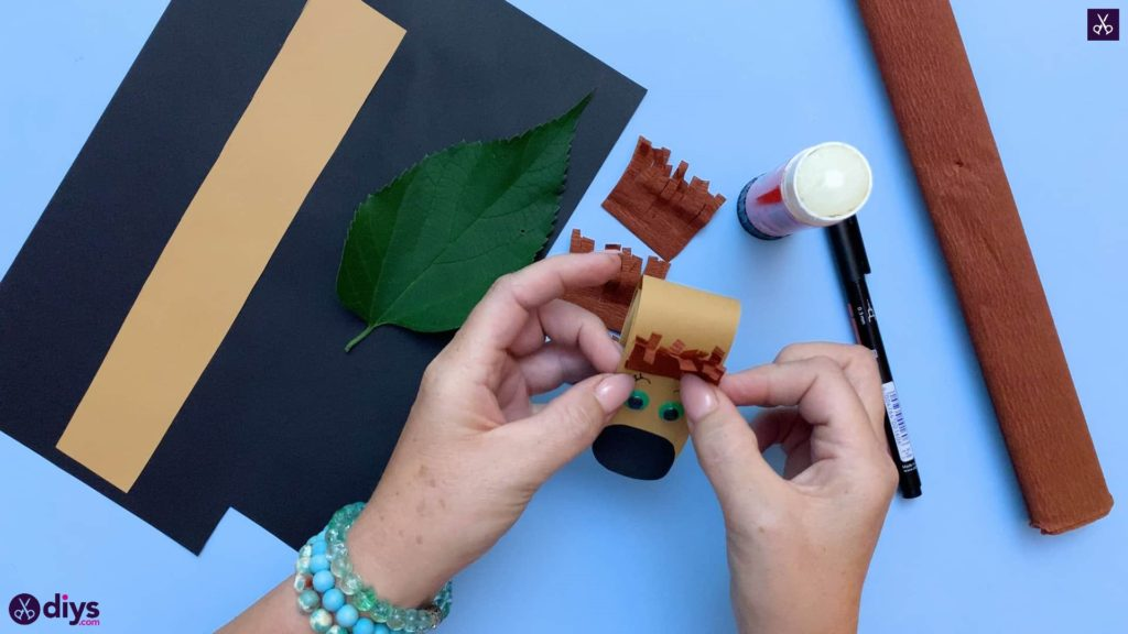 How to make a paper hedgehog on a fall leaf for kids
