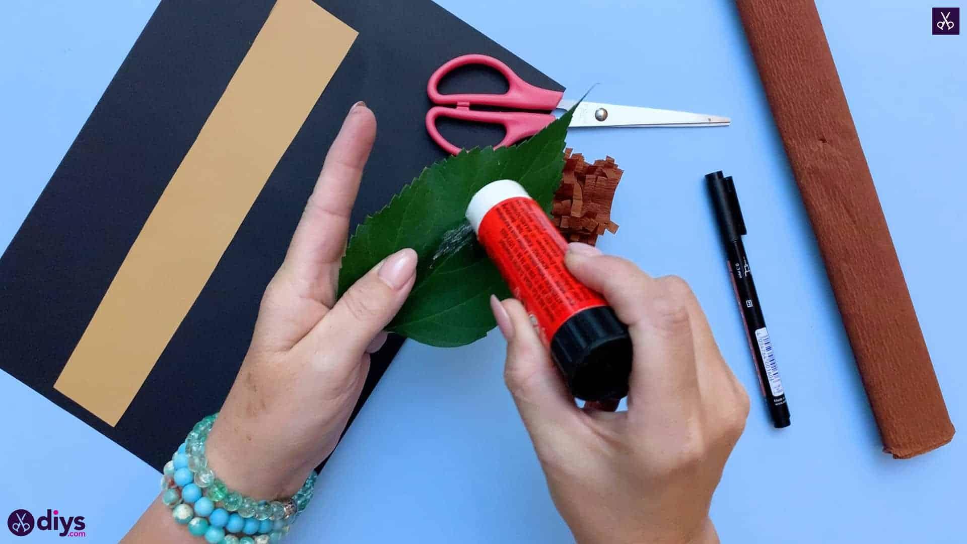 How to make a paper hedgehog on a fall leaf leaf craft