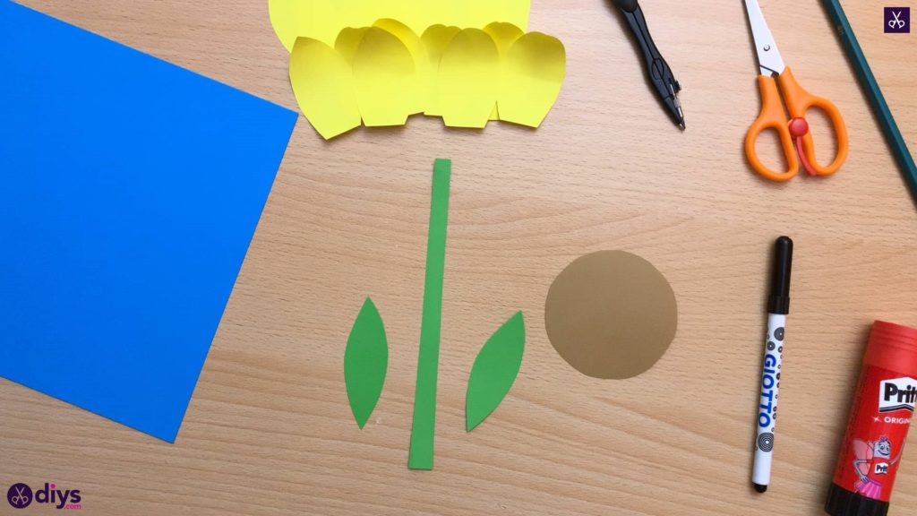 How to make a paper sunflower green