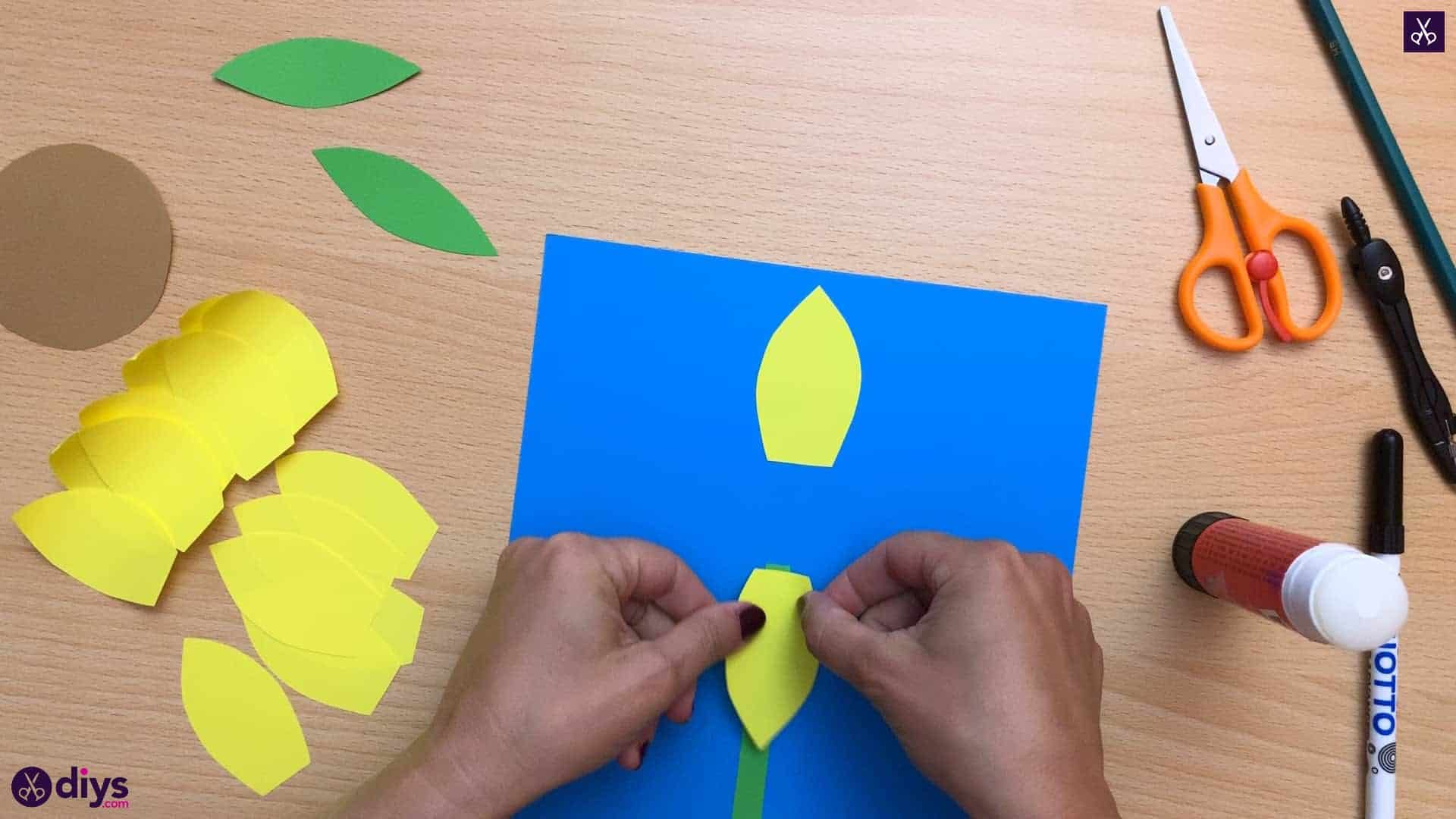 How to make a paper sunflower kids friendly