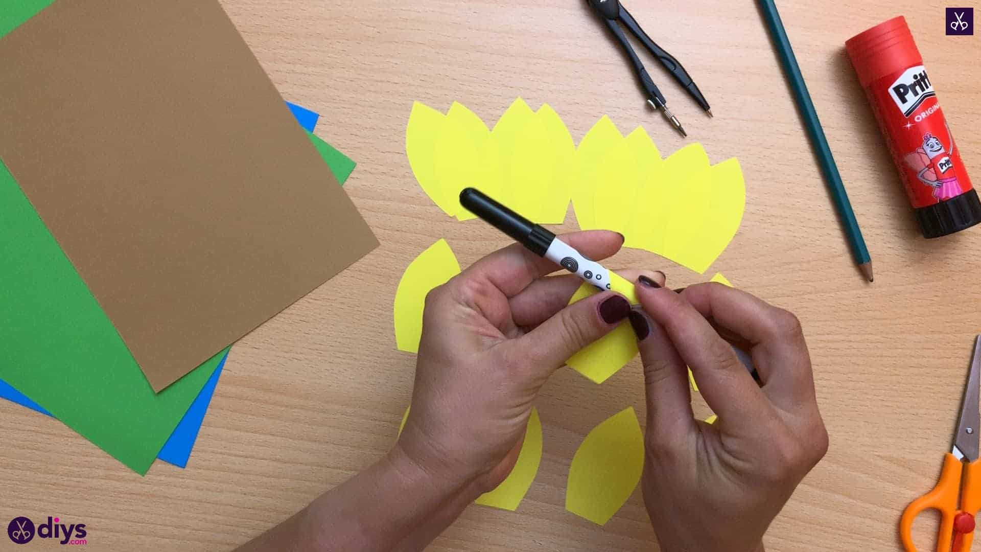How to make a paper sunflower sharpie