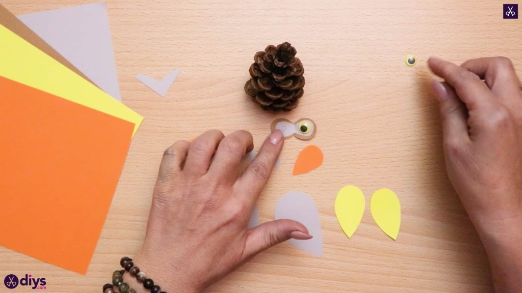 How to make a pinecone owl cone