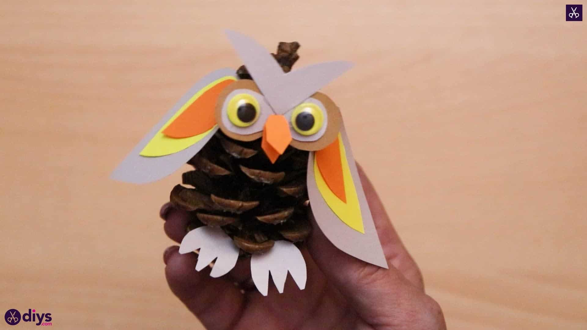 How to make a pinecone owl craft for fall