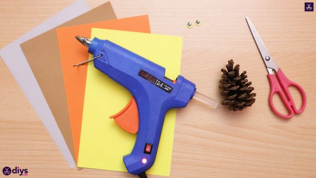 How to make a pinecone owl glue gun