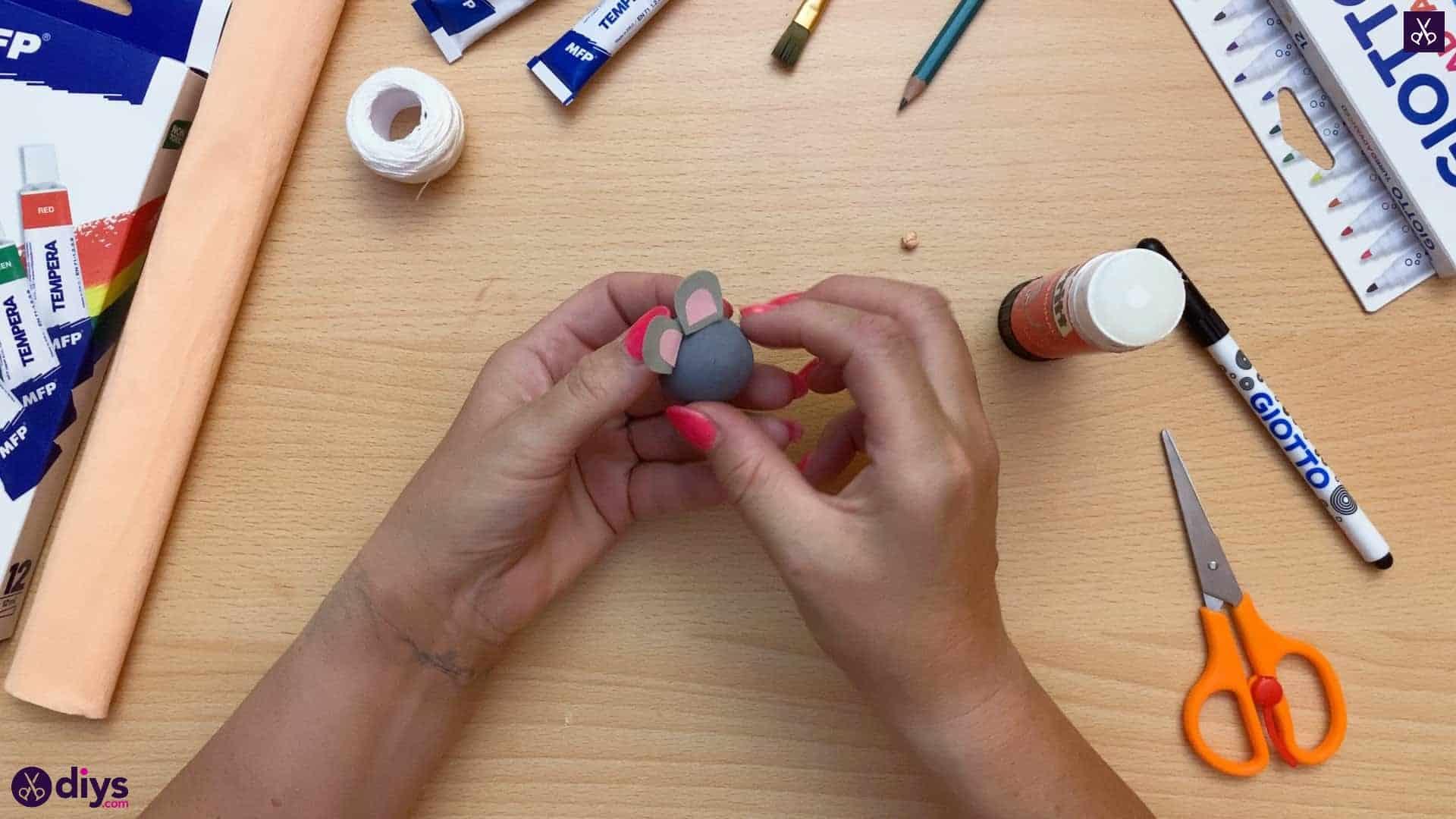 How to make a spun cotton ball mouse attach