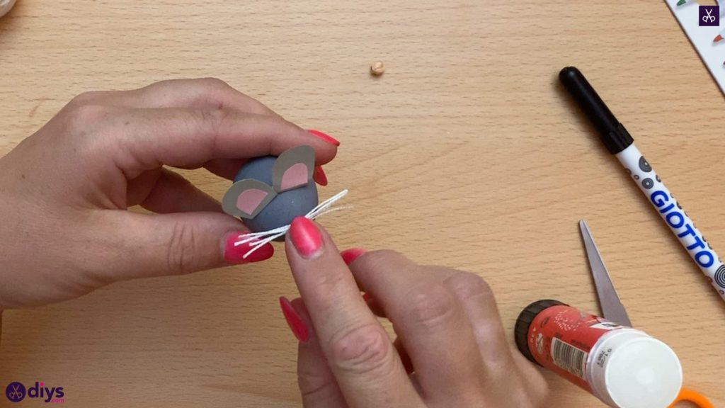 How to make a spun cotton ball mouse mouse