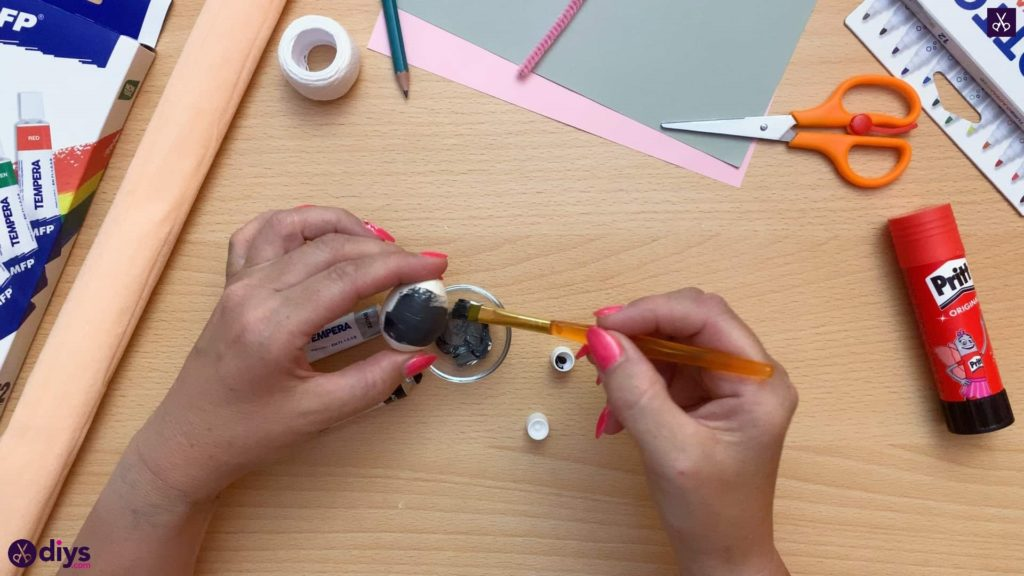 How to make a spun cotton ball mouse paint