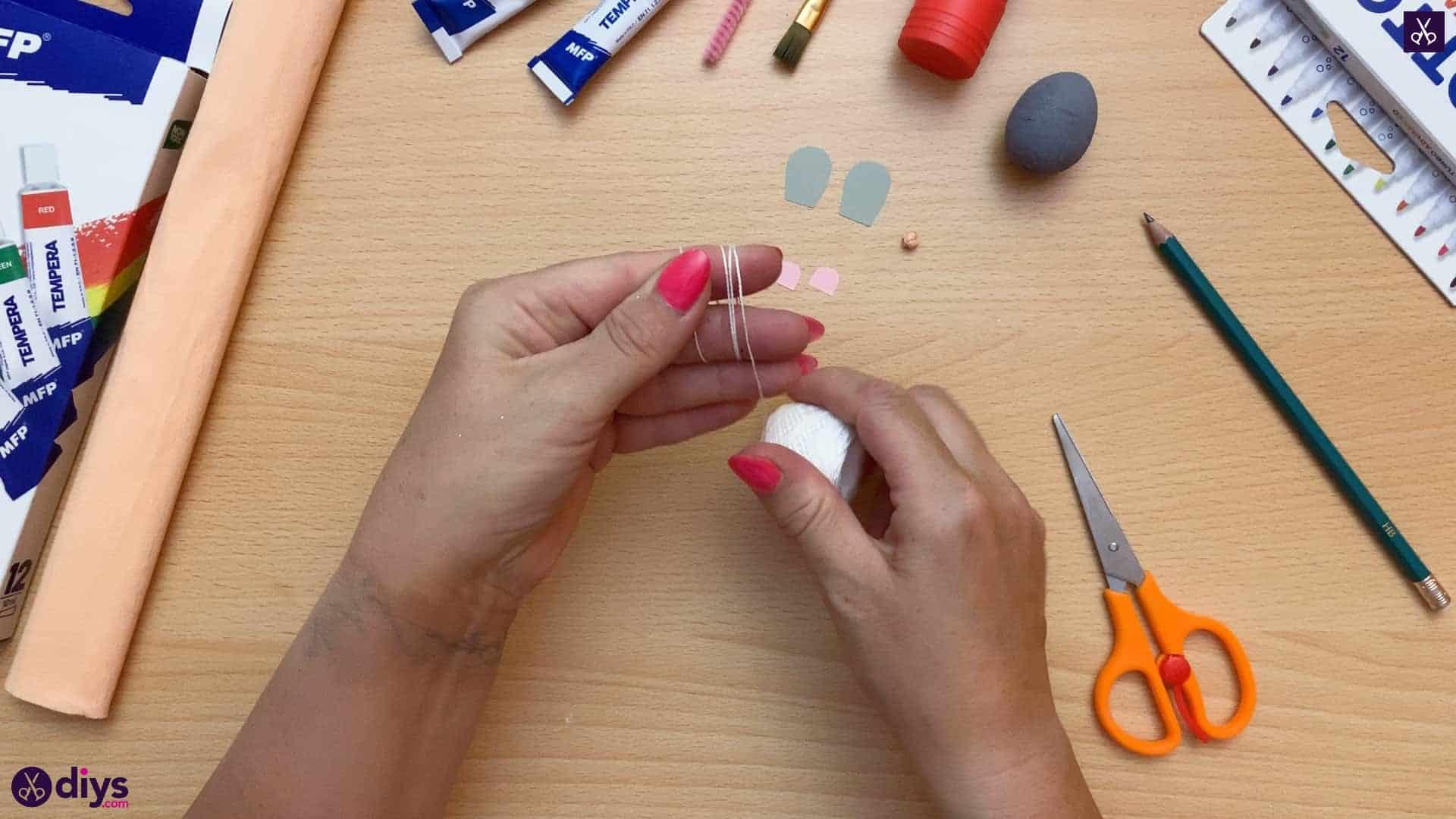 How to make a spun cotton ball mouse yarn