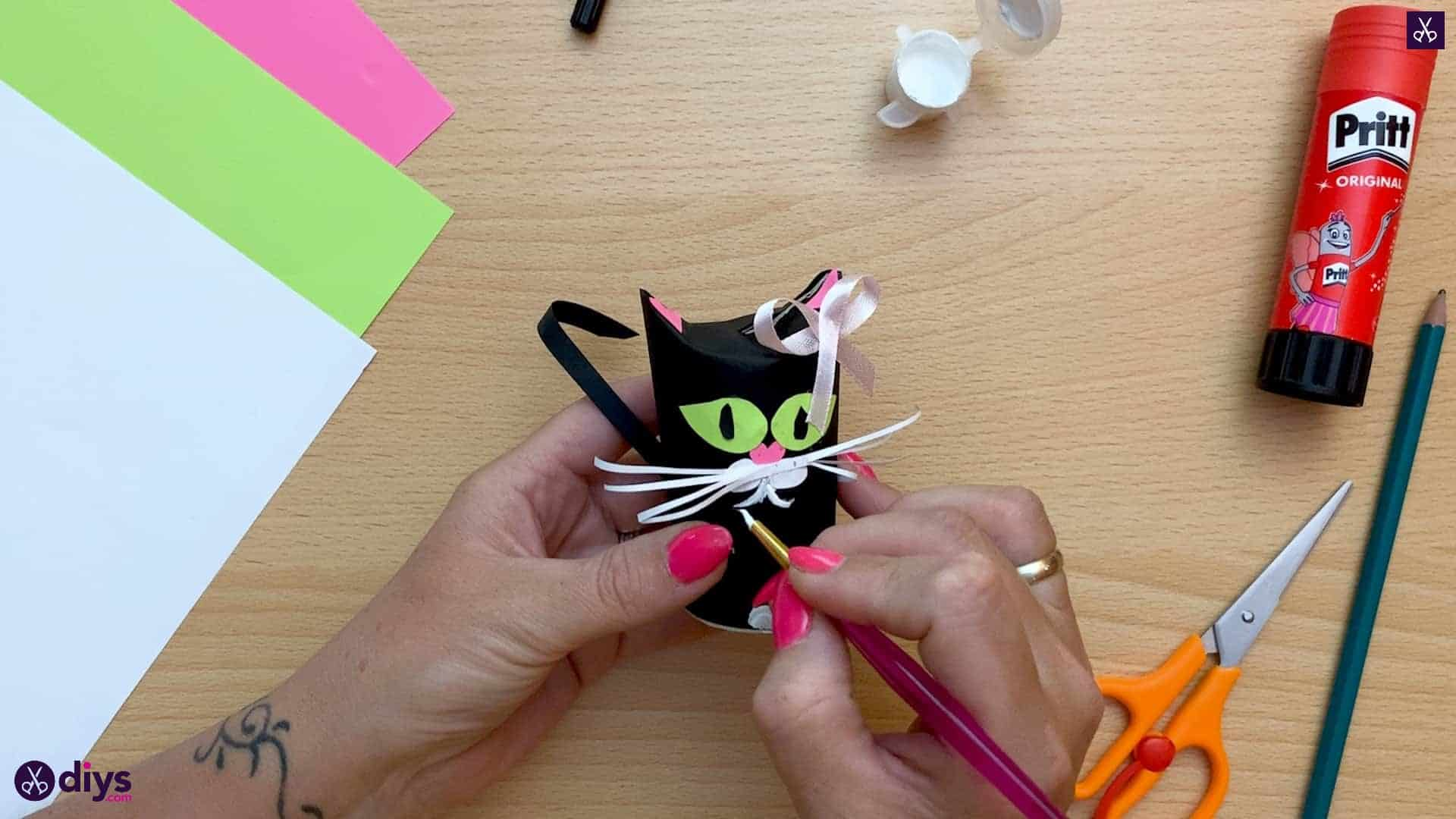 How to make a toilet paper roll cat color