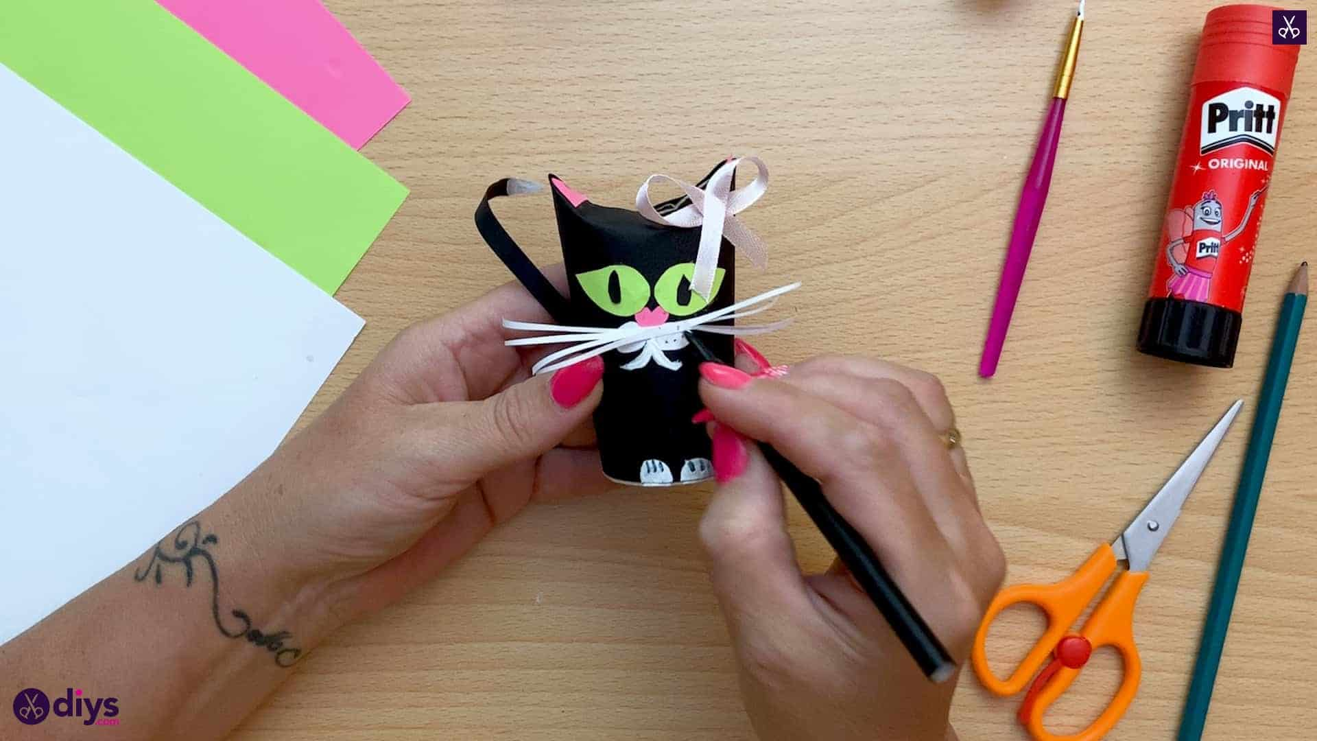 How to make a toilet paper roll cat dots
