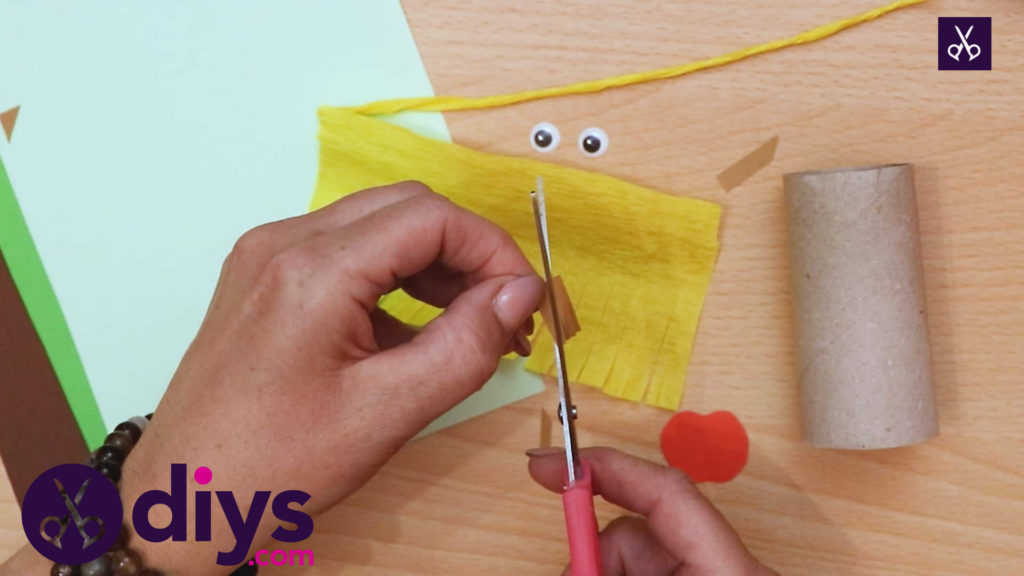 How to make a toilet roll scarecrow slice