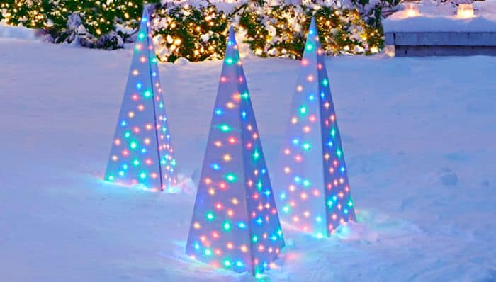 Lighted spire lawn ornaments