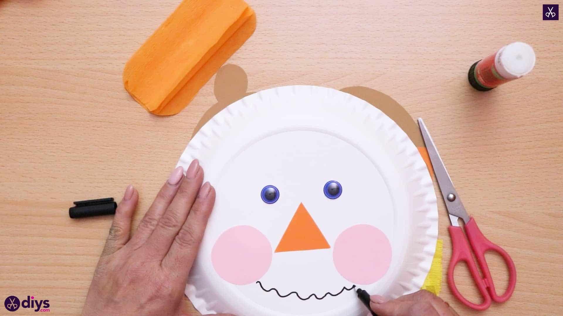 Paper plate scarecrow stencil