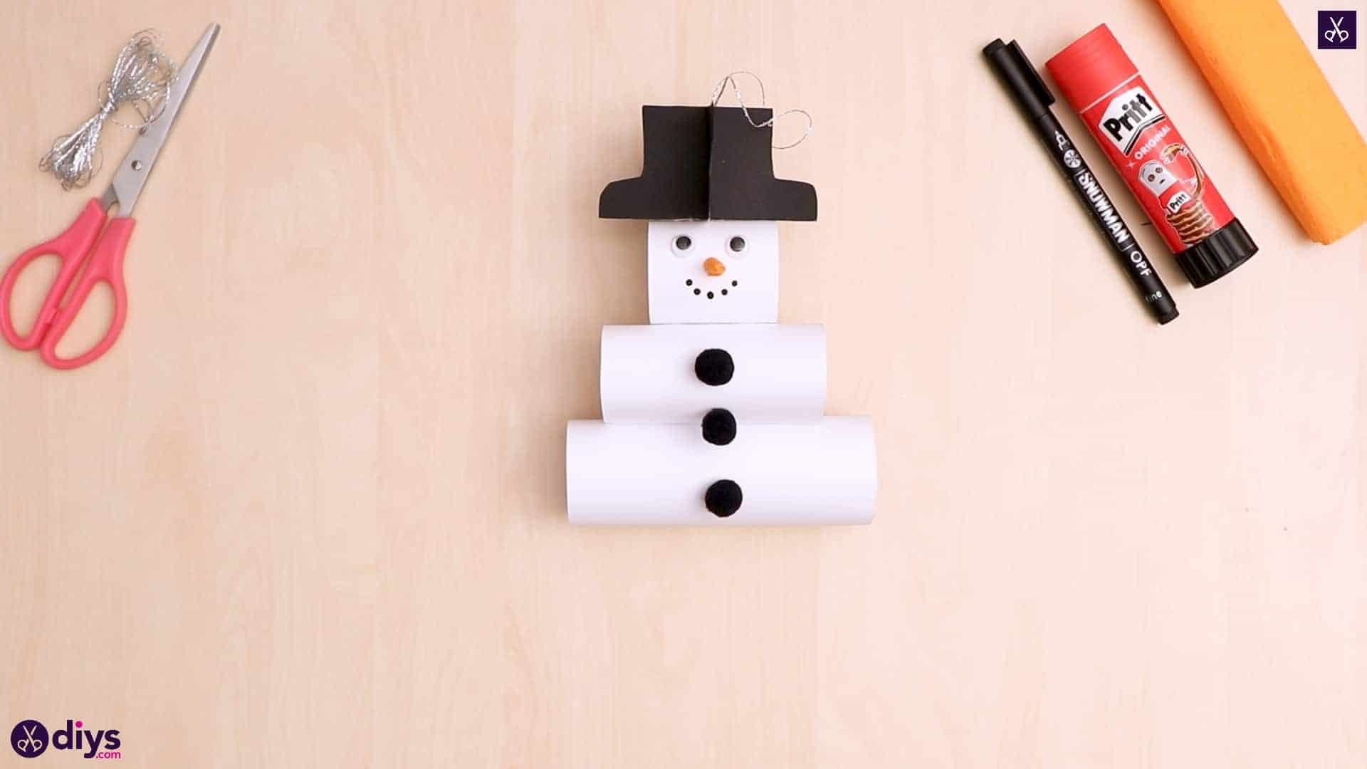 Paper snowman ornament disp
