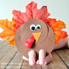 Paper and leaf turkey finger puppets