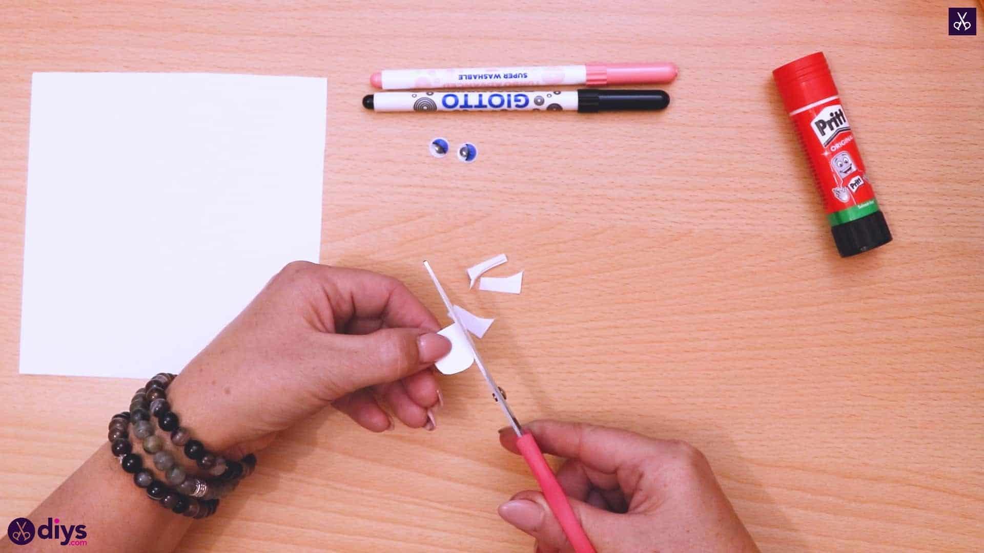 Polar bear corner bookmark cutting