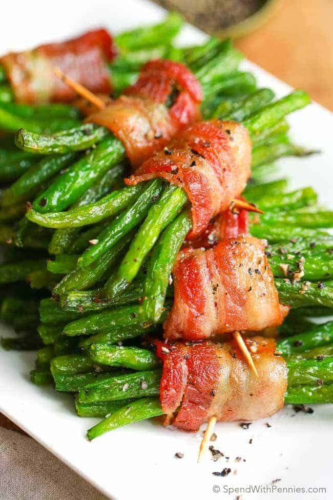 Roasted bacon green bean bundles