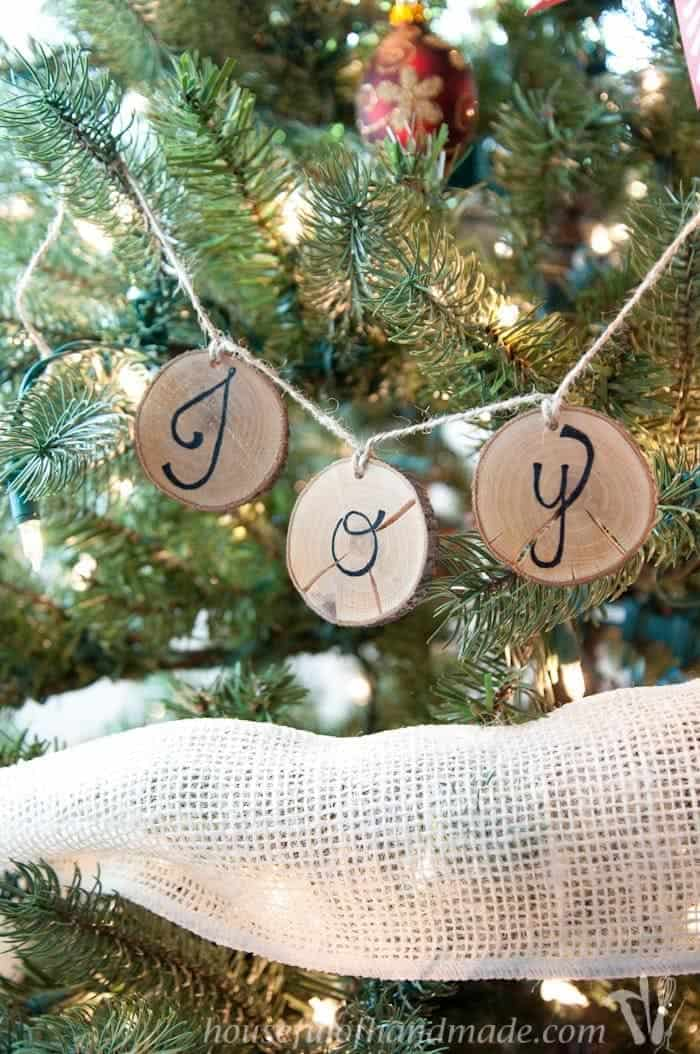 Rustic wood slice ornament banner