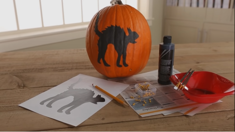 Scared cat pumpkin painting tutorial for kids