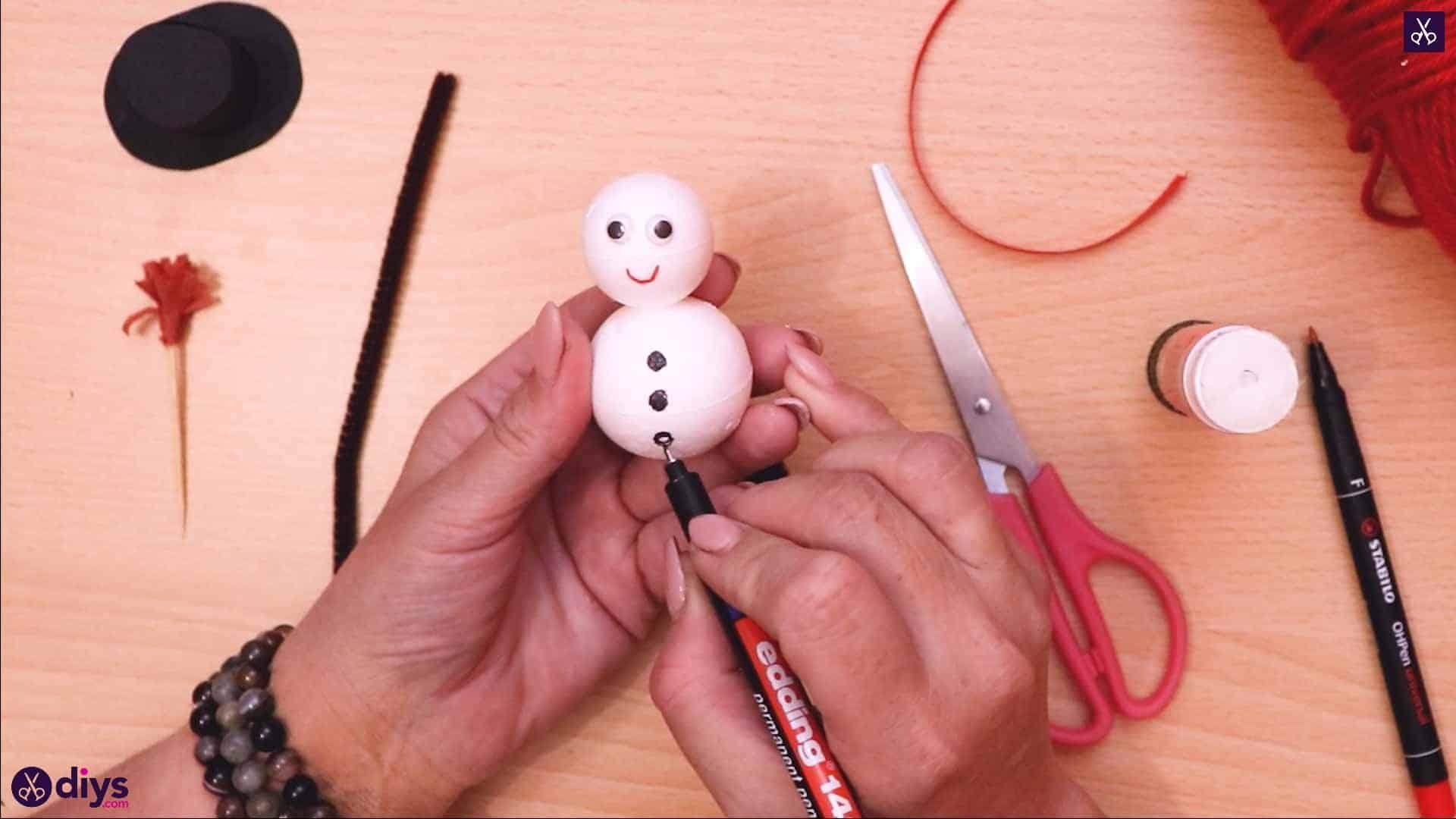 Styrofoam snowman dots
