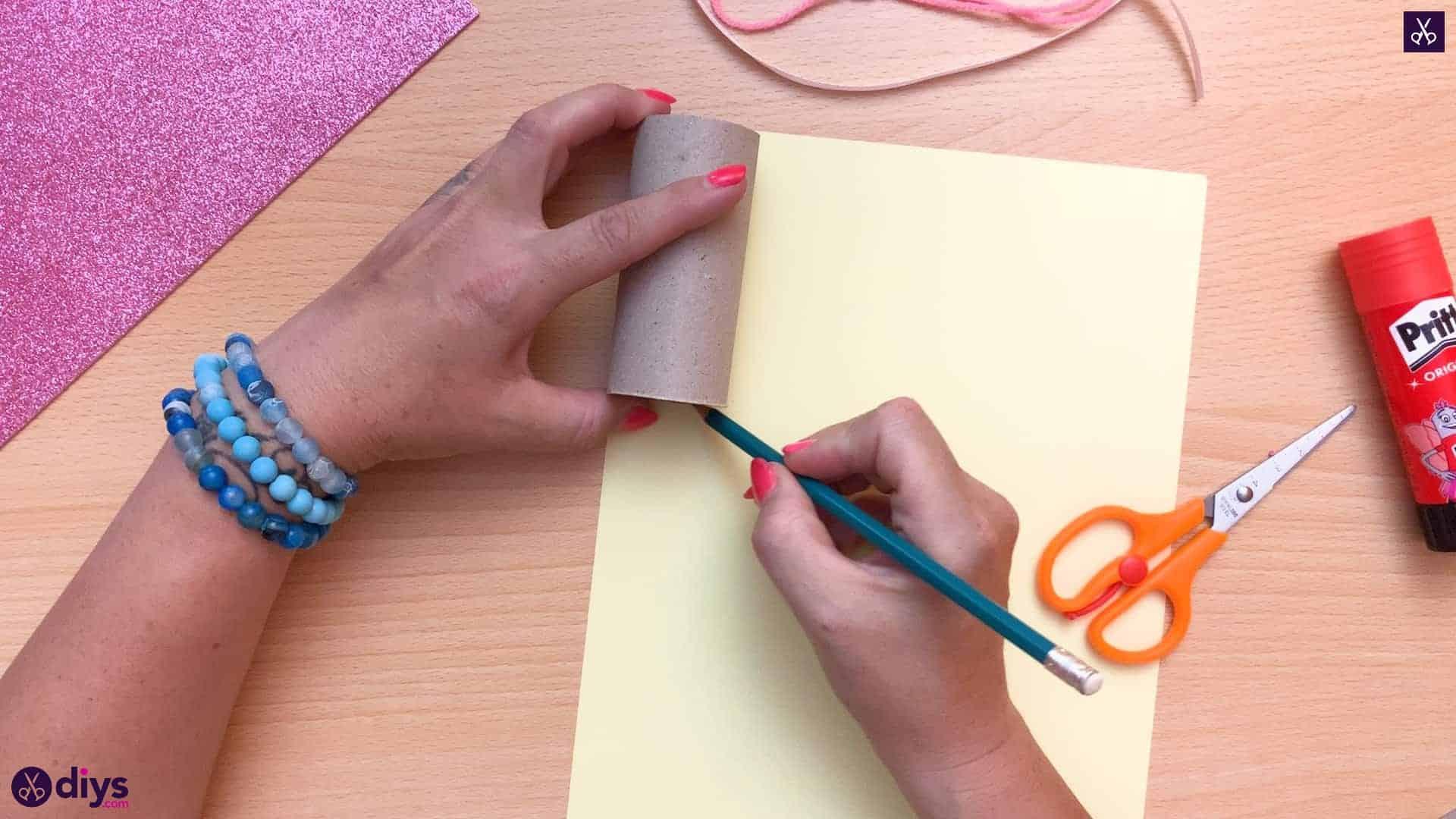 Toilet paper roll pencil holder prepare the paper
