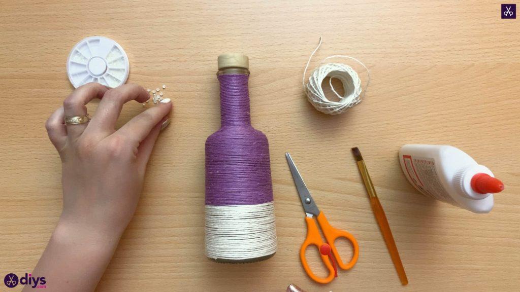 Twine wrapped bottle yarn