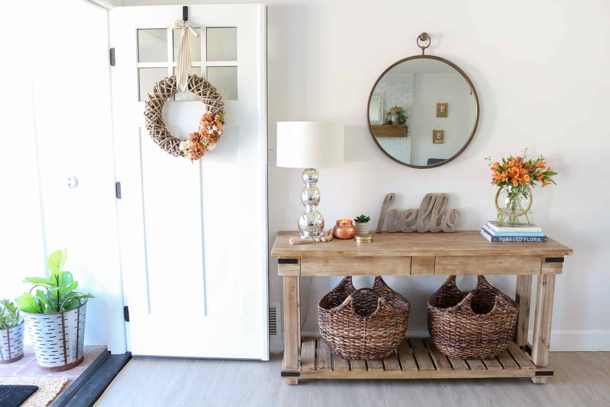 Fall inspired foyer entryway