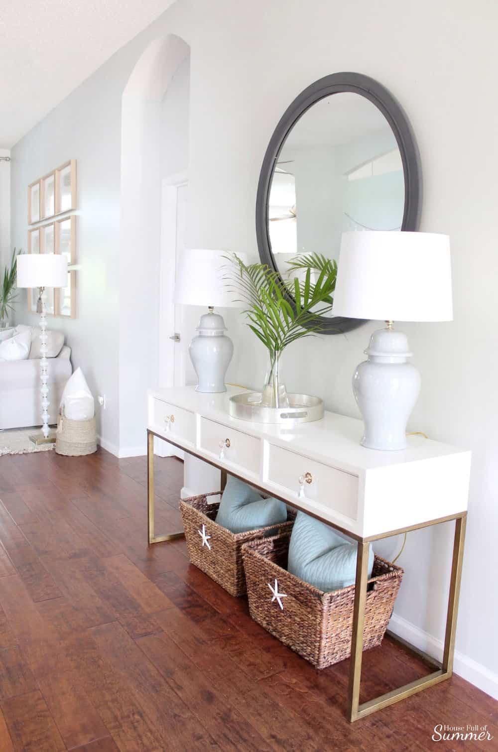 Neutral foyer decor
