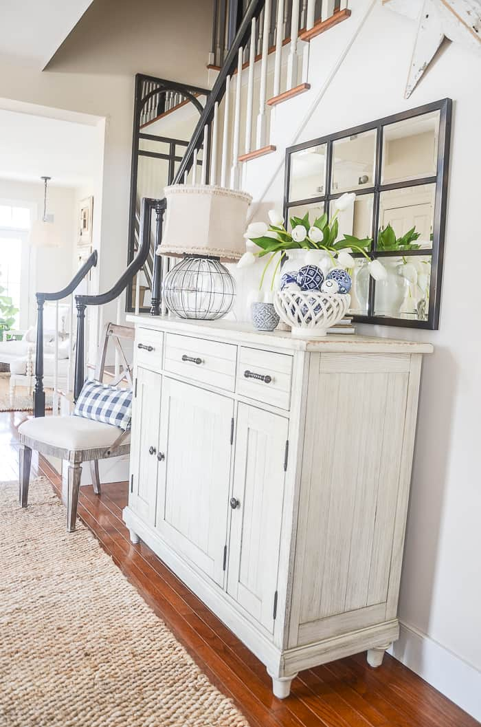 Southern traditional foyer