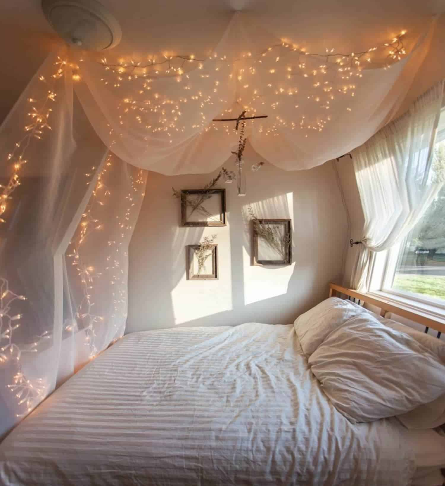 String lights in bedroom on canopy